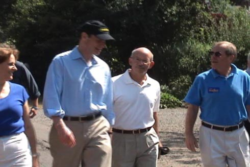 Vicki Walker, Ron Wyden, Peter DeFazio, and Ted Kulongoski
